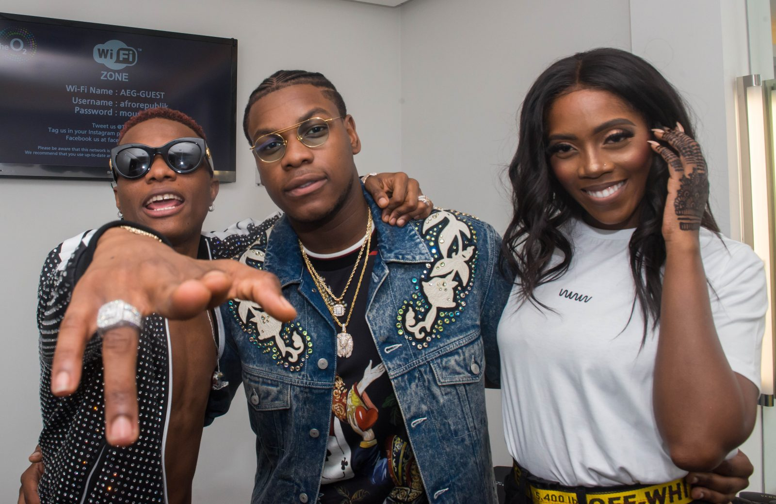 o2 Arena, London, United Kingdom. 26th May 2018.  John Boyega and Tiwa Savage in wizkid's dressing room before his performances on stage during AFROREPUBLIK festival at The O2 Arena. Michael Tubi / Alamy Live News