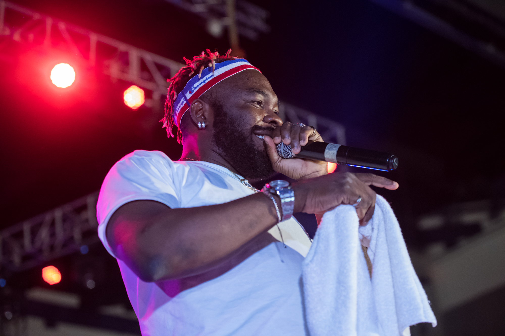 Lagos, Nigeria. 9th November 2018.  Slimcase performing at Human Radio Concert. Photographed by Michael Tubes
